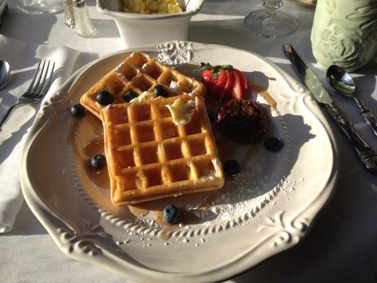 The Twelve Oaks Bed & Breakfast: Breakfast