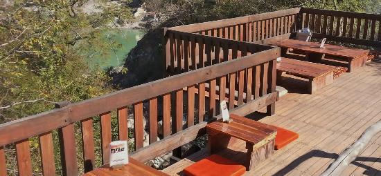 Ramana's Organic Cafe: Our sun deck overlooking the Ganga