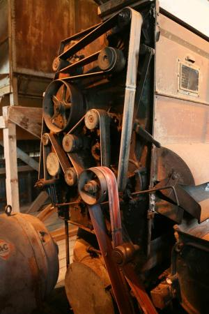 Burton Cotton Gin and Museum: Belt operating one of the gins
