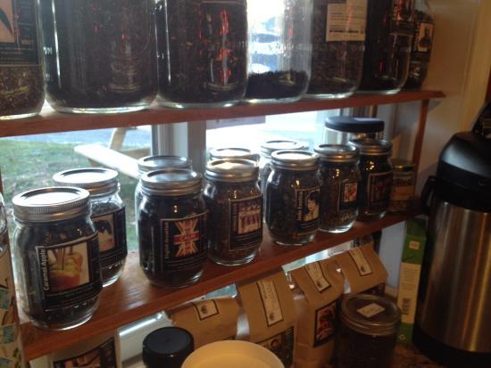 Berkeley Springs, فرجينيا الغربية: Large selection of teas