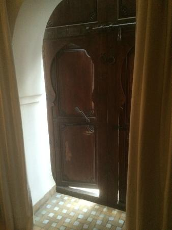 Riad Elixir: door to room