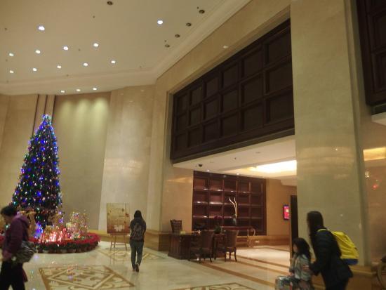Grand Royal Hotel : 嘉逸皇冠酒店