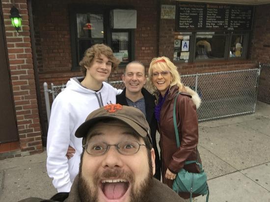 Famous Fat Dave's Food Tours : Famous Dave's Tour