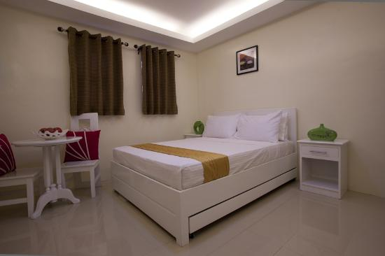 Isabela Province, Philippines: Executive Room with pull out bed