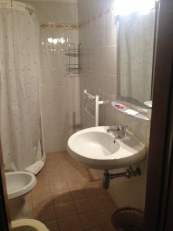 Hotel Enza : Ванная