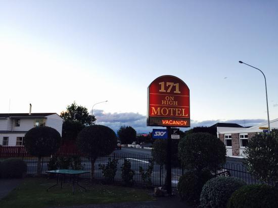 171 on High Motel: Brand