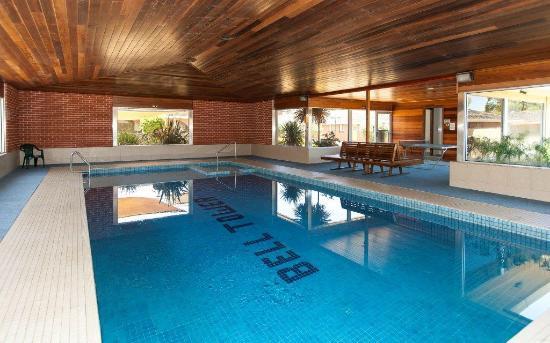 Bell Tower Inn: Pool