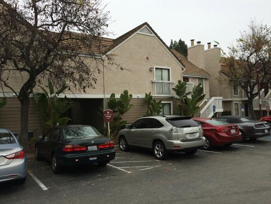 Residence Inn Sunnyvale Silicon Valley II : Otel' in dıştan görünüşü
