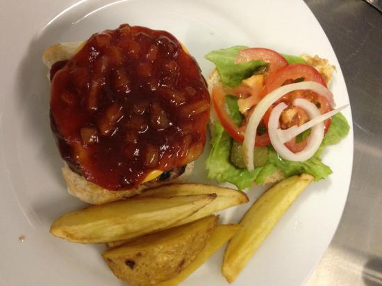 Bush Pub: Delicious burgers