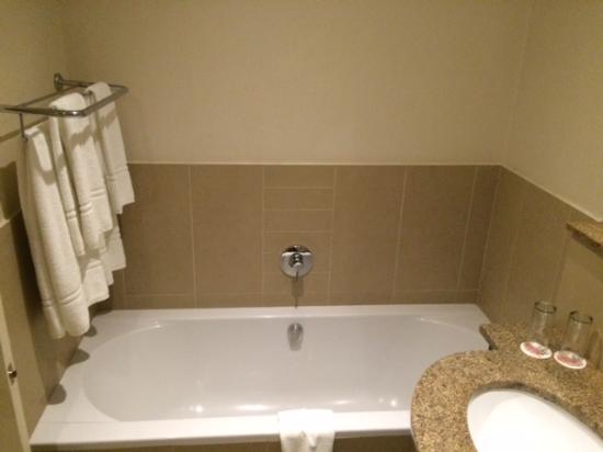 City Lodge Hotel Lynnwood: Bathroom
