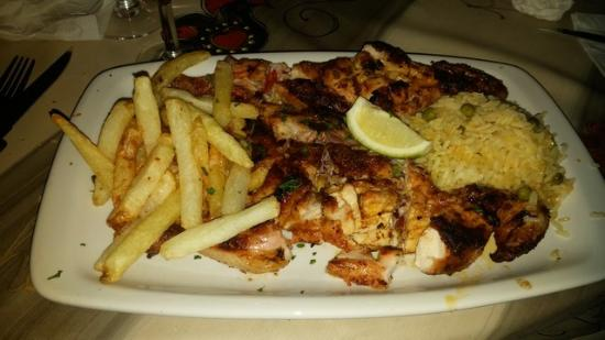 Restaurante Parreirinha : Chicken Peri Peri the picture doesnt do it justice