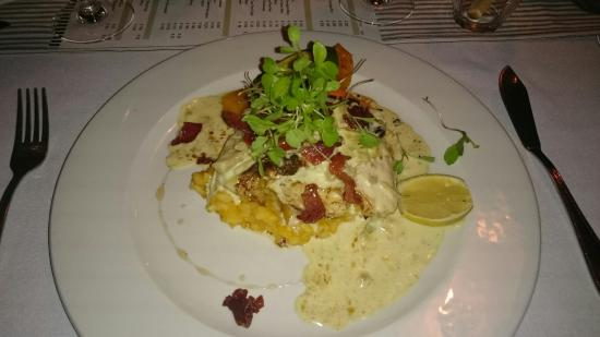 Tin Roof Cafe: Sea bass with butternut risotto and vanilla bacon and a cream sauce