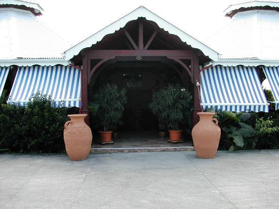 La porte des indes photo de la porte des indes saint for Porte des indes