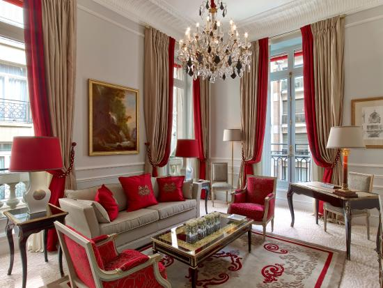 Hotel Plaza Athenee: Plaza Athenee - Suite Superieure 218 - LR (c) Eric Laignel 1