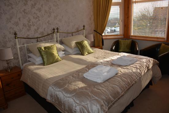 Birtley House: Our luxurious bedroom.