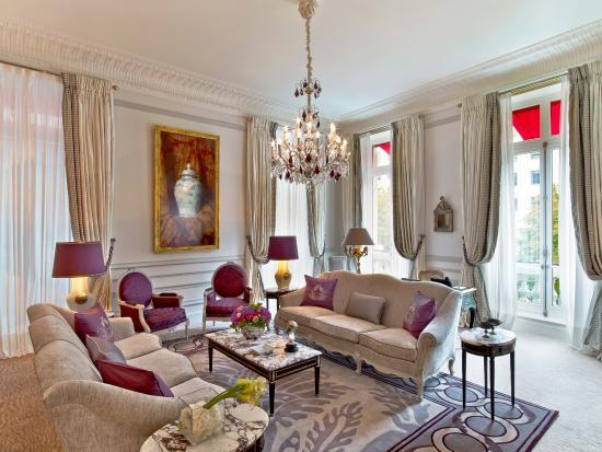 Hôtel Plaza Athénée: Plaza Athenee - Suite Prestige 215-216 - LR (c) Eric Laignel 1