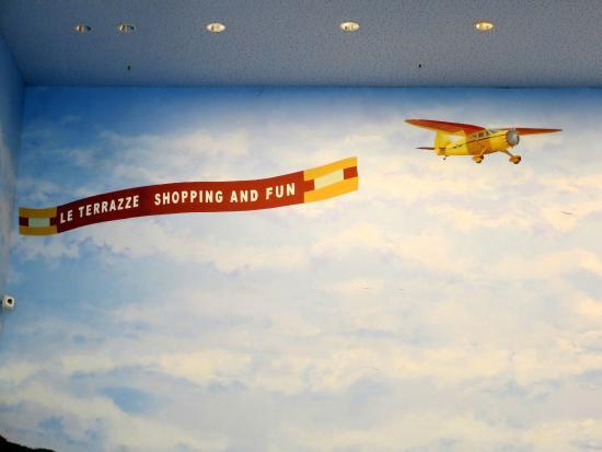 Un simpatico particolare del murale ;-) - Foto di Le Terrazze, La ...