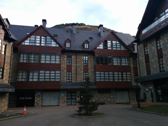 IBB Eth Palai : Edificio apartamentos