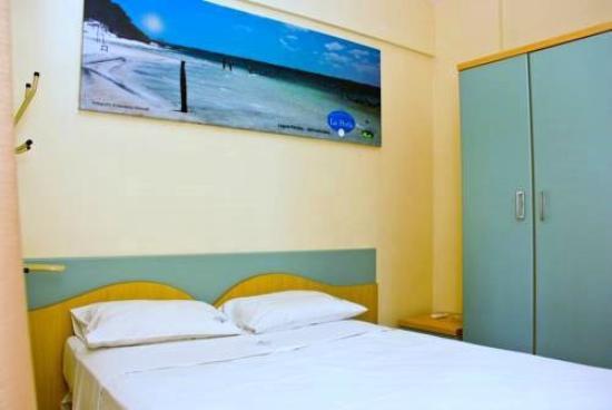 Residencial La Perla: quarto bom mas sem TV