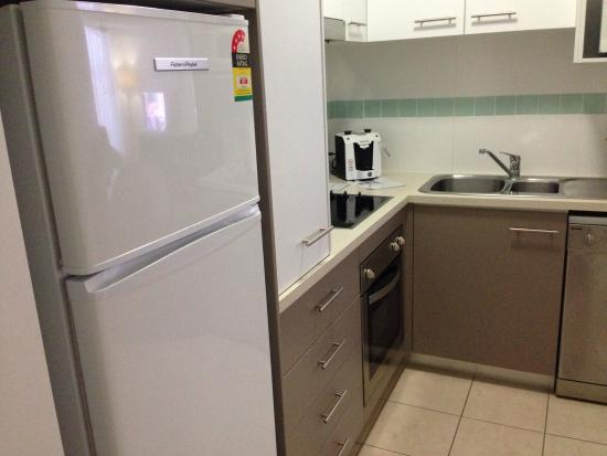 Toowoomba Central Plaza Apartment Hotel : Kitchen in apartment 401