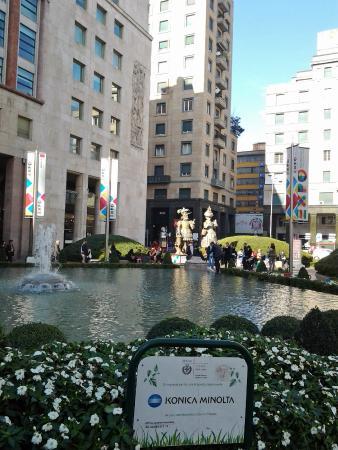 Fontana di Piazza San Babila: Fontana da Piazza San Babila