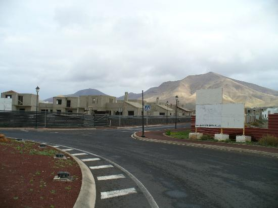 Lanzarote Green Villas: your approach to the villas in middle of this estate