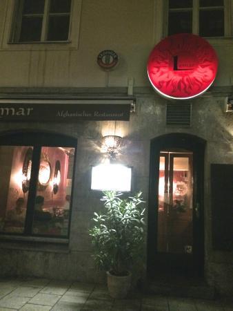 Fachada do Lemar à noite