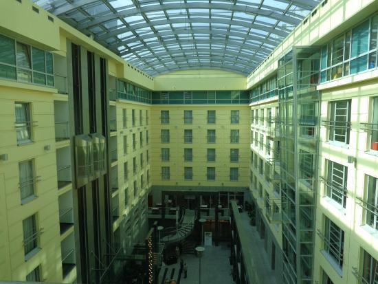 Sofitel Wroclaw Old Town: Hotel dentro do Mall