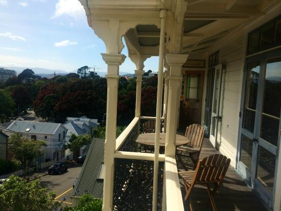 Terrace with a view picture of gardens homestay for 25 27 cambridge terrace wellington