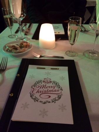 Restaurant White Horse : Bubbles & Shortbread! Christmas Dinner 2014