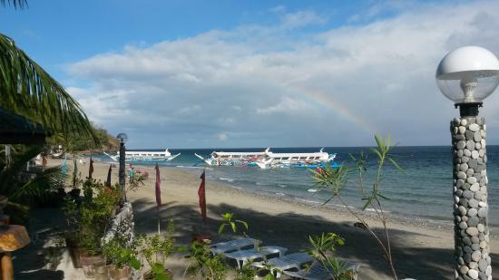 Mountain Beach Resort : Strand vom Restaurant aus gesehen