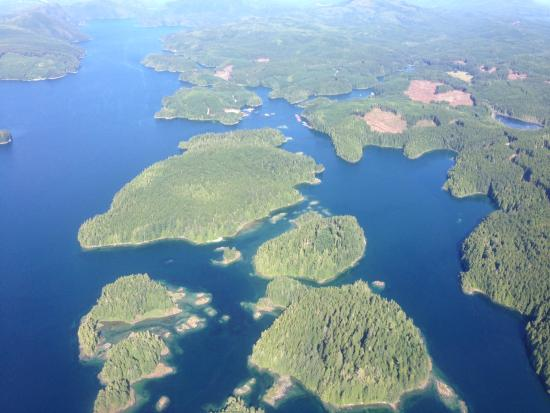 Nimmo Bay Wilderness Resort : Flying Over Vancouver Island