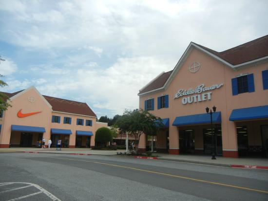The outlets is a nice outing for families and those just interested in shopping. The upkeep is still very nice and they have shade sitting areas. Overall, this shopping center deserves an A.8/10(53).