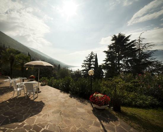 Villa Orizzonte: vista sul giardino