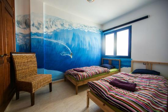 """Red Star Surf & Yoga Camp: Casa Del Mar: """"La Santa"""" twin room"""