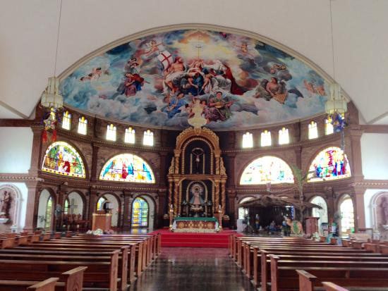 Cauayan City, Filipiny: Interior of Our Lady of Pillar Church