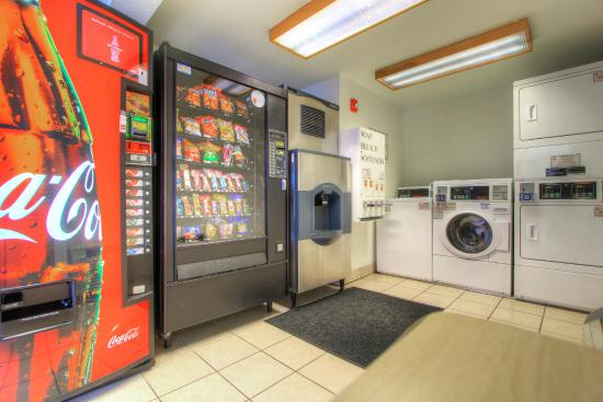 Motel 6 Harrisonburg: Vending