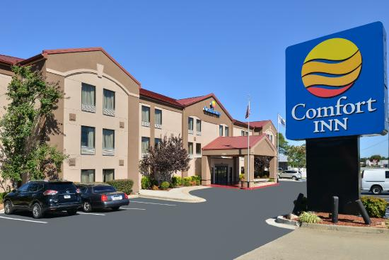 Comfort Inn & Suites at Stone Mountain: Exterior
