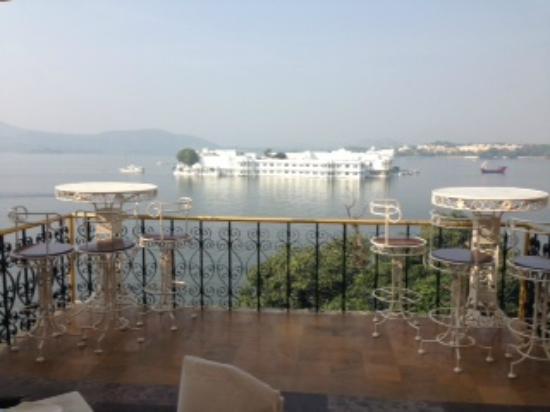 Vista do caf da manh picture of fateh prakash palace for Restaurant vista palace