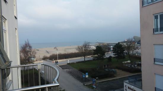 Residenz Strandhotel: seitlicher Meerblick Zimmer 35