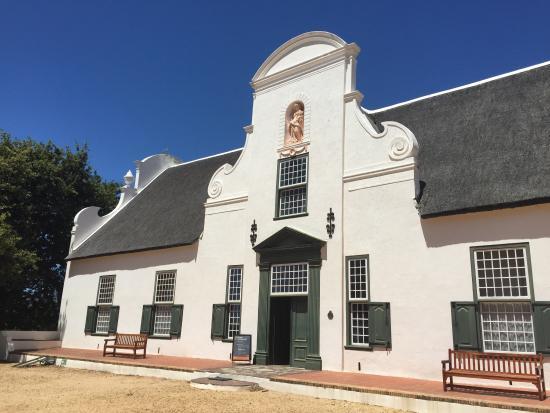 Jonkershuis Restaurant at Groot Constantia : Historical Groot Constantiaberg manor house