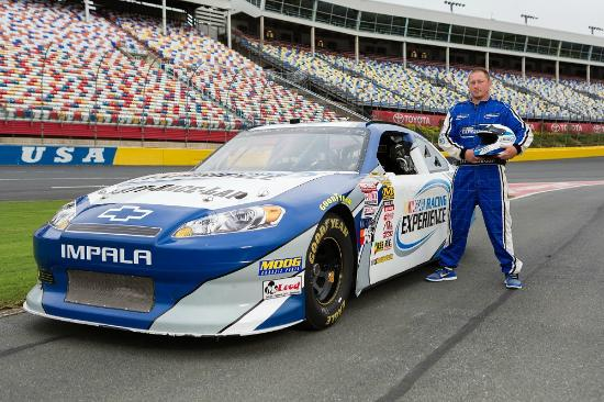Nascar racing experience concord nc top tips before for Cheap hotels near charlotte motor speedway