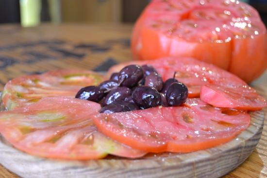 Photo of Bar Taberna el Olivo at Calle Pintor Fillol 1, Valencia 46003, Spain