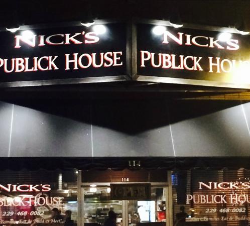Ocilla, Géorgie : New store front sign