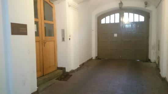 Cracow Old Town Guest House: Entrance