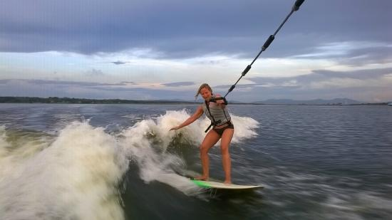 Wakeboarding Thailand Camp: Wakesurfing at sunset