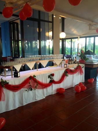 Hotel King: Il locale delle colazioni allestito per la cena di gala di Ferragosto 2014