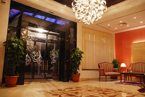 Hotel naher el founoun: Reception encore et encore