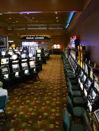Cartewr casino gambling man line dance