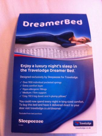 Travelodge Ashton Under Lyne: Beds used in room